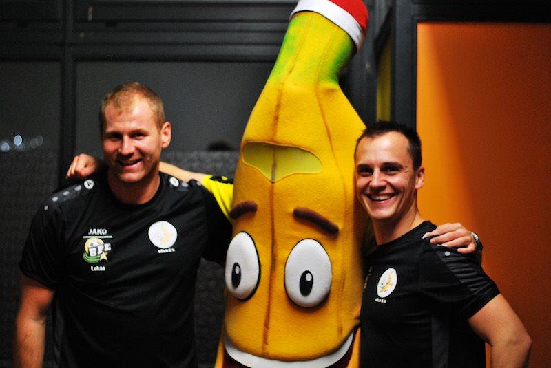 Ehrenmitglieder Lukas und Niko mit Manni